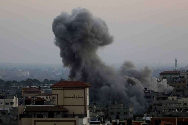 12 Killed in Israeli Air Strikes on 48th Day of War