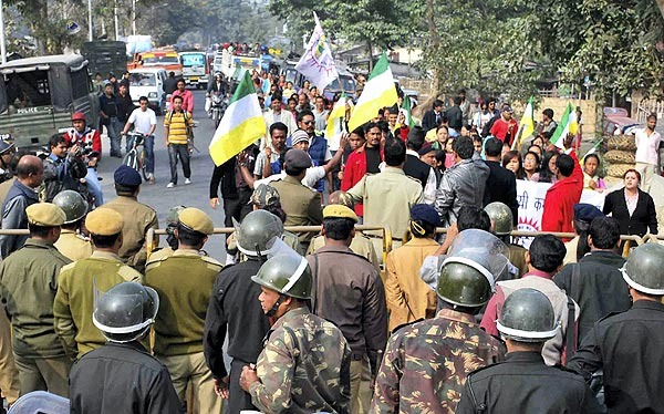 Widespread violence in Darjeeling, army called in