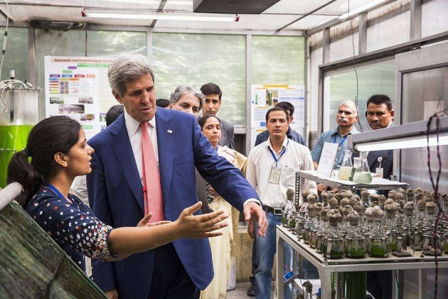 Kerry Visits IIT, Walks Out Impressed With Students