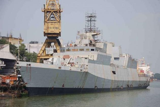 Jaitley Commissions Frontline Warship INS Kamorta