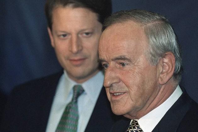 Irish Peacemaker, Ex-Premier Albert Reynolds Dies at 81