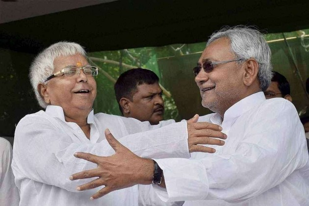 Bypolls: UPA 10, NDA 8; Nitish-Lalu Score in Bihar