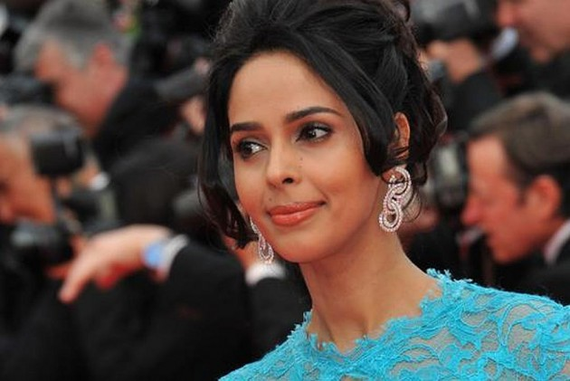 Bollywood actress tear-gassed, beaten up in Paris