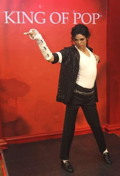 Michael Jackson's Posthumous Music Video Premieres Online