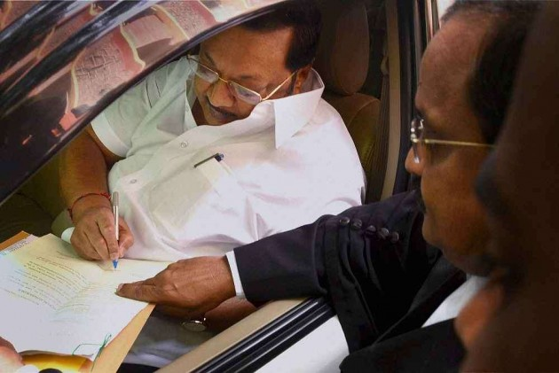 Alagiri Surrenders in Land Grab Case, Granted Bail