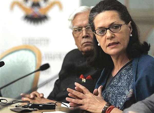 'Venomous' Sonia Treated Like Royalty in India: Natwar Singh