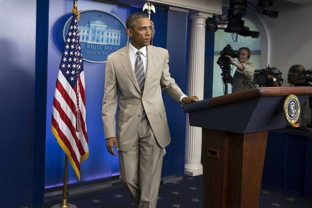 White House Defends Obama's Controversial Tan Suit