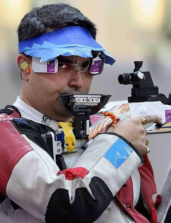 Gagan Narang Wins Silver in CWG 50m Rifle Prone