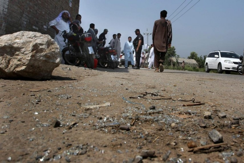 15 wounded in grenade attacks in northwest Pakistan