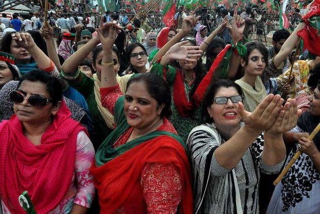 Pak Anti-Govt Protesters Threaten to Invade Red Zone