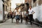 Om Puri Bats for Kolkata Rickshaws