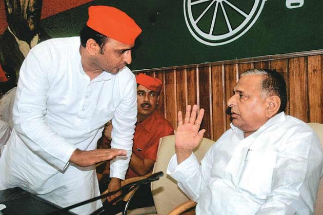 Mulayam Singh Advises Akhilesh Yadav To Keep Away From The Ongoing Party Dispute