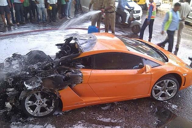Maha BJP MLA's wife crashes brand-new Lamborghini into an auto near Mumbai