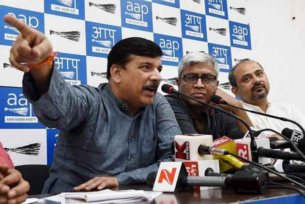 Those Close to Modi Are Working Against Adityanath, Alleges AAP