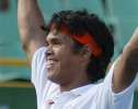 Somdev Upsets Moya to Storm into Quarterfinals