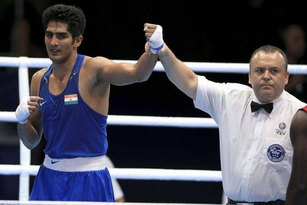 Vijender Into Semis As 5 Indian Boxers Assured of Medals