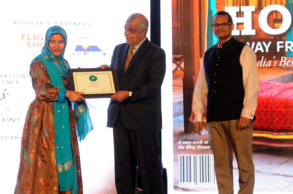Zahida Bano, CEO, Leh Development Authority, receives the Readers' Choice award for Best Drive for Srinagar to Leh, Jammu & Kashmir