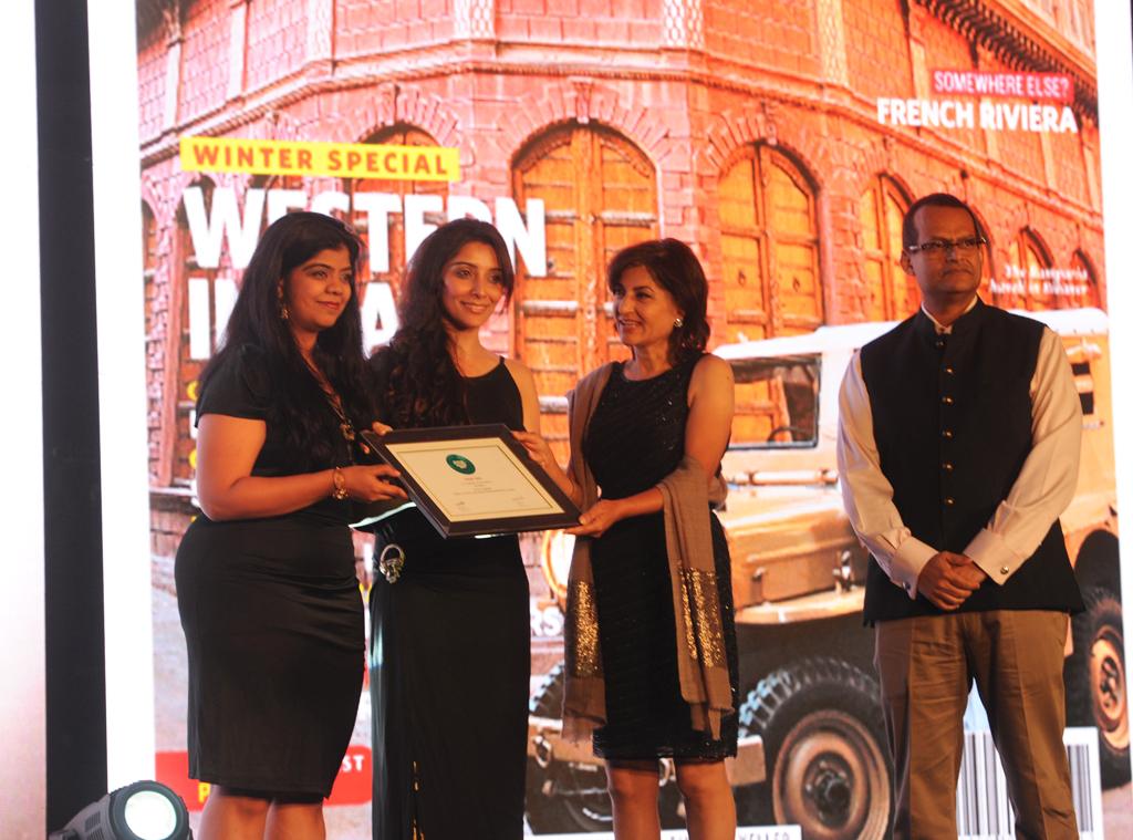 S. Ashwini Krishna, Manager Marketing, receives the Readers' Choice award for Best International Wedding Destination for Seychelles