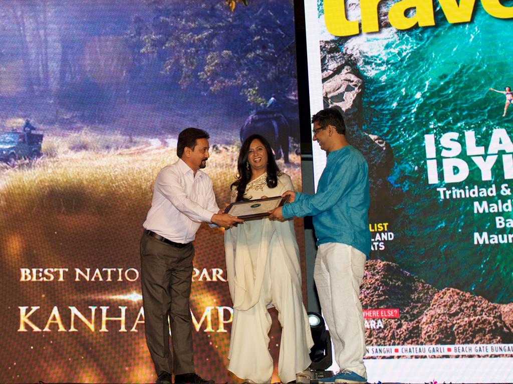 Anil Saxena, Marketing Head, MP Tourism, receives the Jury award for Best National Park for Kahna National Park, Madhya Pradesh