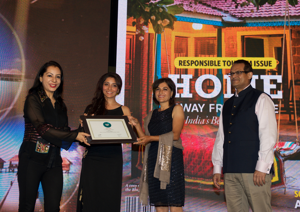 Shikha Mishra, Country Manager, receives the Readers' Choice award for Best International Island Destination for The Maldives