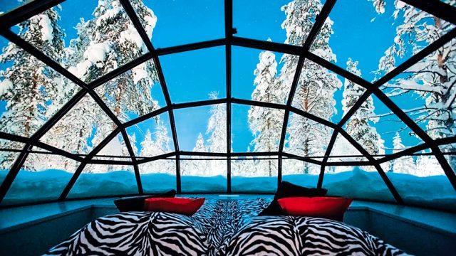 kakslauttanen_glass_igloo_inside_2_1366x768