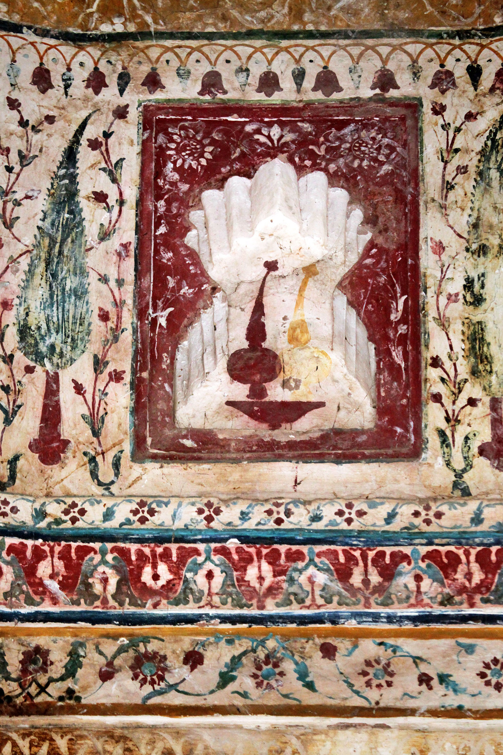 4. The technique of creating frescoes was quite elaborate—colours were painted in layers and scratched to reveal intricate multi-hued designs