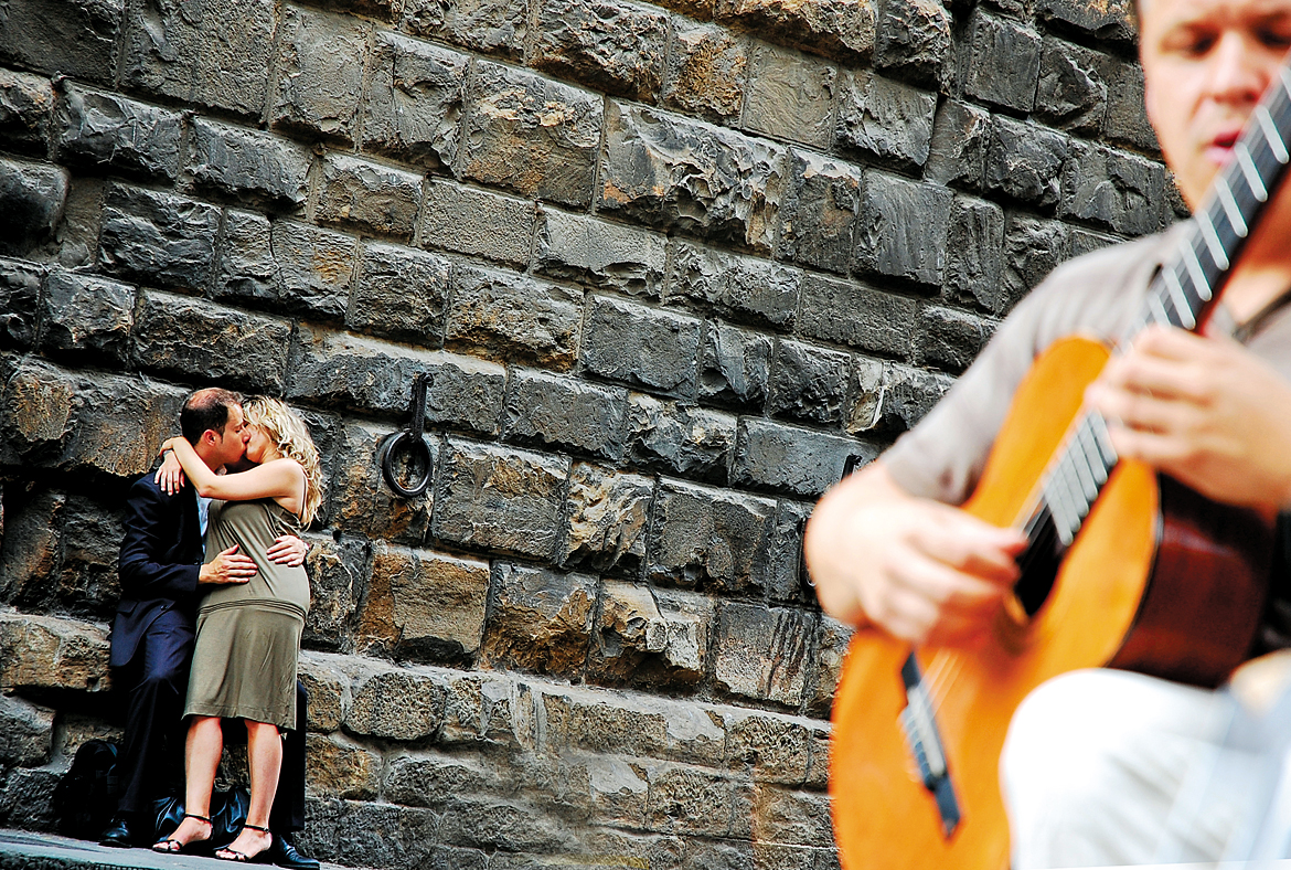 Displays of intimacy and impromptu music gigs are not uncommon in the town's streets