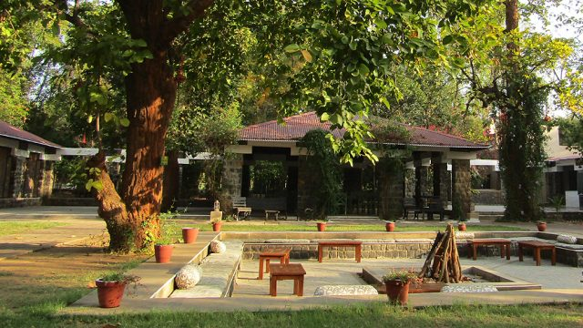 The courtyard at Bandhav Vilas