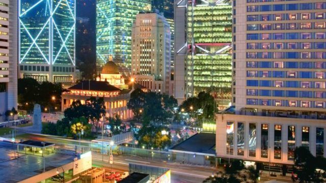 Experience Hong Kong with Mandarin Oriental