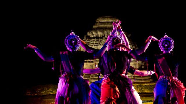Odissi dancers at the Konark Dance Festival