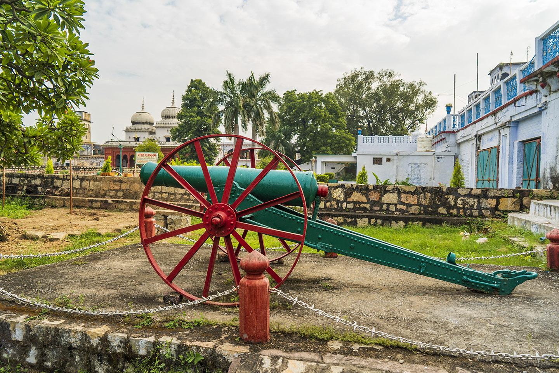 A royal canon at the Rewa Fort