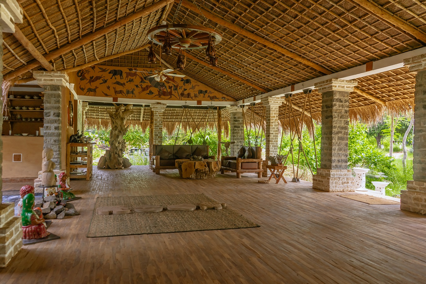 Tendu Leaf Jungle Resort offers you a calming and rejuvenating experience