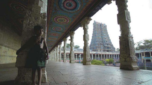 A quiet corridor in the busy Meenakshi temple