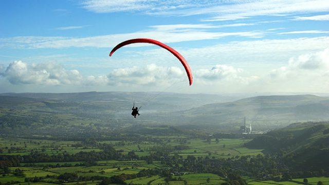 051015164917-simonharrod-paragliding